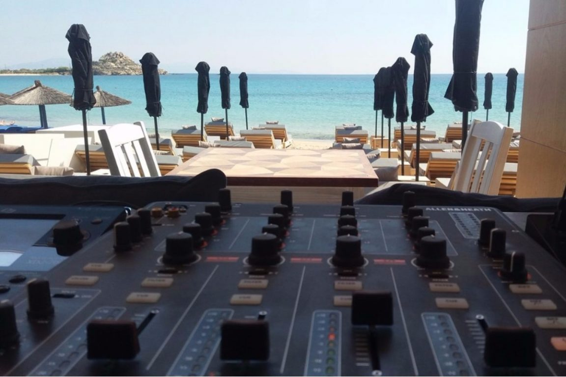 The music sessions: Hear the heartbeat of summer in Mykonos at DK Oyster!